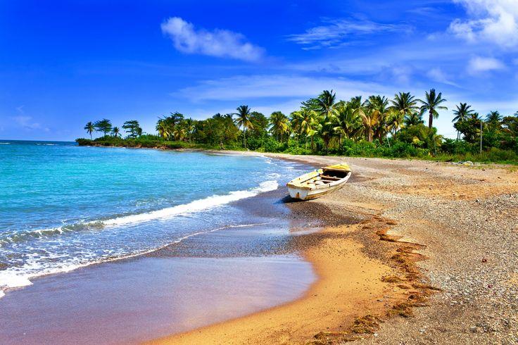 Die besten Reiseziele für die Flitterwochen So wird eure Hochzeitsreise garantiert unvergesslich; Jamaica Beach iStock_000019038785_Large-2