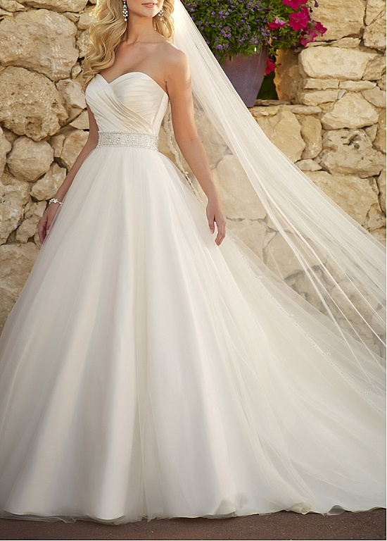 1000 ideas about cinderella wedding dresses on pinterest for Strapless princess ball gown wedding dresses