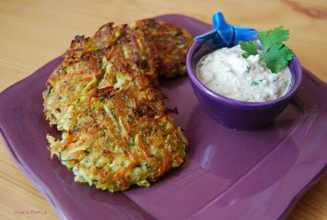Vege z Miłością: Placki warzywne i sos śmietanowy (faworyt tygodnia!) prosto z domowej wytwórni wegańskiego nabiału