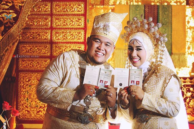 Wedding -Post Wedding - Graduation - Group - Family -Baby Jl. Delima no.88 Pekanbaru-Riau Pin bb 57FF8445 Hp 081276519215.  Line: pittaekspose