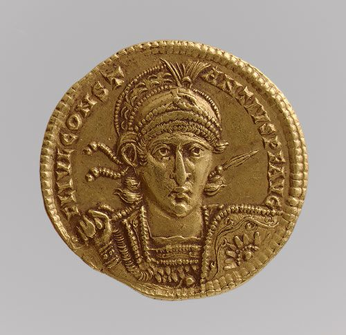 Solidus of Constantius II (Sole Emperor, 350-361) [Byzantine] (04.35.18) | Heilbrunn Timeline of Art History | The Metropolitan Museum of Art