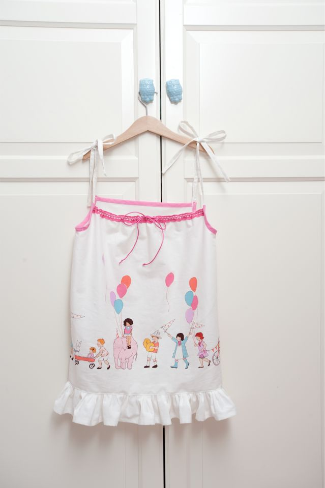 Cute handmade dress for girl :) Fabric use: On Parade by Michael Miller  #diy #clothes #sew #sewing #craft #craftoholic #textile #handmade #onparade #MichaelMiller #forgirl #dress