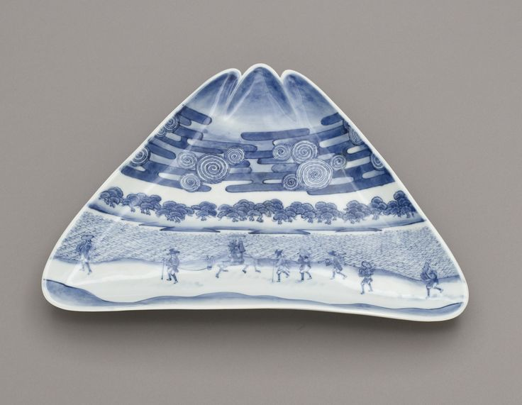 Dish in the form of Mt. Fuji, with Miho no matsubara | Artist unknown | Japan | Arita ware | 1790-1868 | Edo period | Freer and Sackler | F1980.182a-c