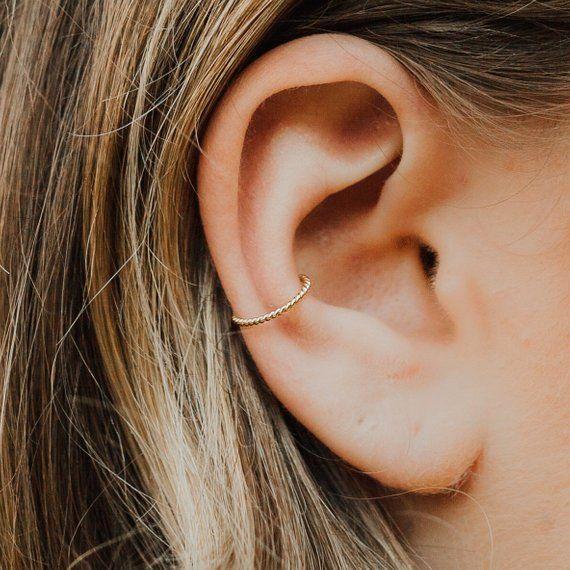 Gold Ear Cuff, Ear Wrap Piercing, Non Pierced Ear Cuff, Fake Ear Cuff Piercing, Gold Ear Wrap, Small Clip On ear cuff, 21g TWIST
