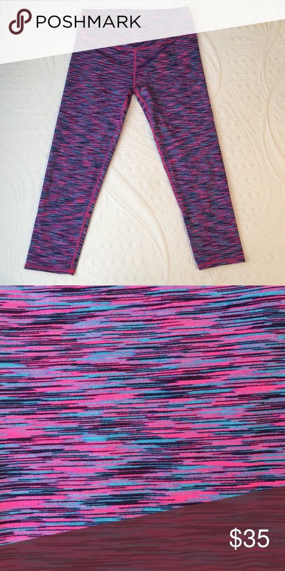 Fabletics Salar Capri Legging Size Small Pink/Blue/Black Patterned Capri Leggings! Fabletics Pants Leggings