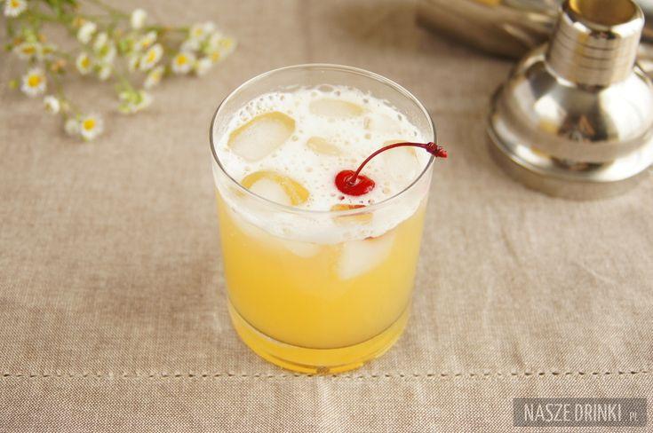 Caribbean Pineapple to znakomity drink o niewielkiej zawartości alkoholu, który możemy popijać będąc na jednej z karaibskich plaż, jeśli nie fizycznie to chociaż myślami.