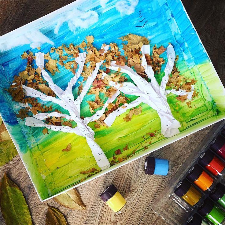 Вчера вечером дошли руки до творчества и у нас получилась осень. Листва из сухих осенних листьев, стволы из бумаги, облака из ваты. 🍂🍁🍂 #birzhanova_чем_занять_ребенка