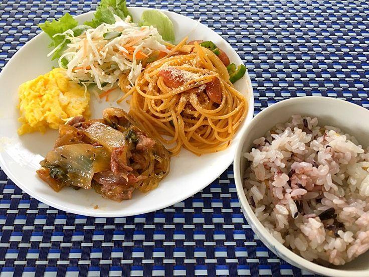 Naomi f's dish photo なんとなく ワンプレート | http://snapdish.co #SnapDish #肉料理 #野菜料理 #肉の日(2月9日) #晩ご飯 #スパゲティ