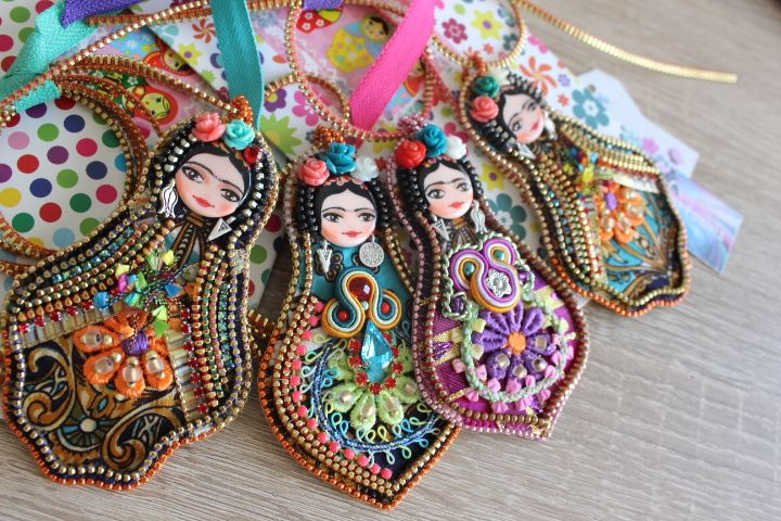 Frida doll, OOAK, Art doll, zipper and bead embroidery.
