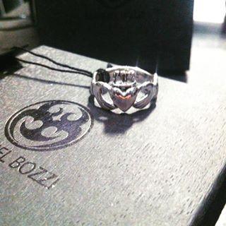 Scatta una foto al tuo gioiello MB e pubblicala con #manuelbozzi – MANUEL BOZZI