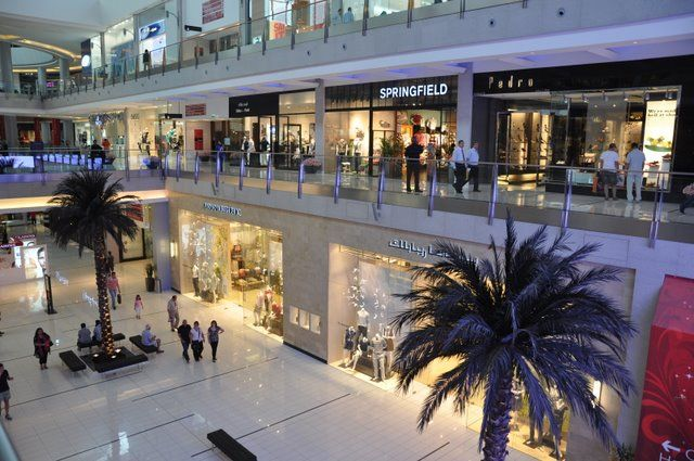 inside Dubai shopping mall  #Enjoy the #luxury of #Dubai #shopping #UAE #Travel #Tourism #Fun #MiddleEast