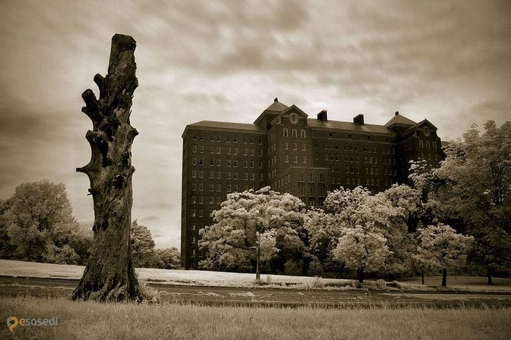Заброшенная психиатрическая больница Kings Park – #Соединённые_Штаты_Америки #New_York #Кингс_Пэрк (#US_NY) Заброшенная психиатрическая клиника в Нью-Йорке. http://ru.esosedi.org/US/NY/1000194243/zabroshennaya_psihiatricheskaya_bolnitsa_kings_park/