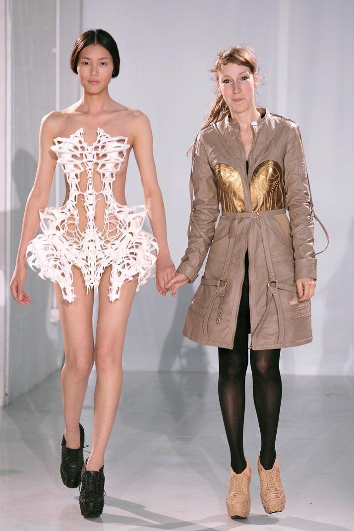 Sculpture meets Fashion. Amazing. Iris Van Herpen