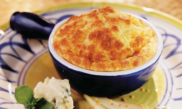 Suflê de mandioca Receita: http://mdemulher.abril.com.br/culinaria/receitas/receita-de-sufle-mandioca-553593.shtml