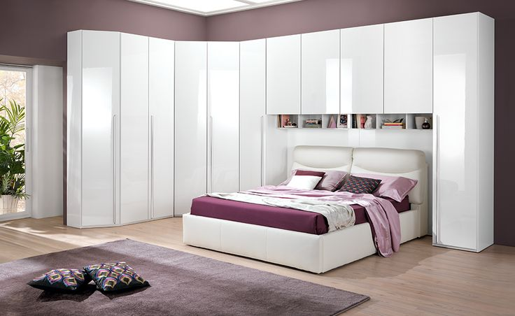 Vuoi una casa all'altezza dei tuoi sogni? Scegli una camera da letto Leader con battente bianco laccato.