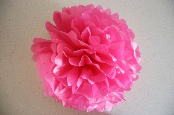#The Mother Huddle - How to Make Paper Pom Poms