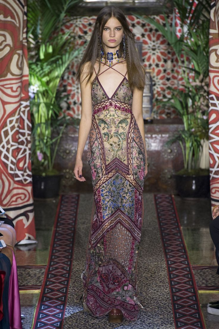 Roberto Cavalli Spring 2017 Ready-to-Wear Fashion Show - Faretta