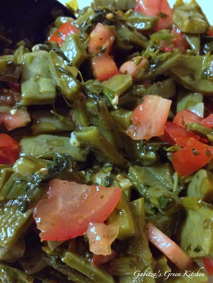 This is a very traditional Mexican salad made with cactus leaves, or nopales, as they call them in Spanish. Nopales are a staple in the Mexican cuisine and wildly used in salsas, salads or dishes (for the ones who never saw cactus leaves before and do not know how to eat them, here you have […]
