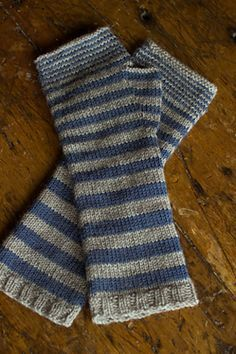 Ravelry: Accelerating Stripes Fingerless Gloves pattern by Churchmouse Yarns…