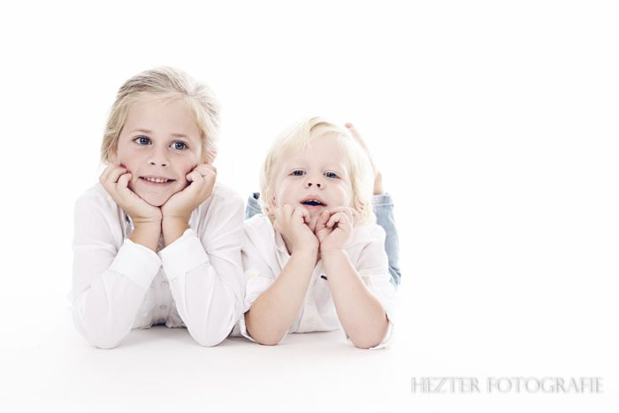 Hezter Fotografie. Netteres Bild. Studiofoto. Weinlesefoto. Kinderfotografie. www.hezterfotogra …