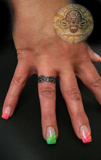 ring finger tattoos | 25 Beautiful Ring Finger Tattoo Designs | DesignCanyon