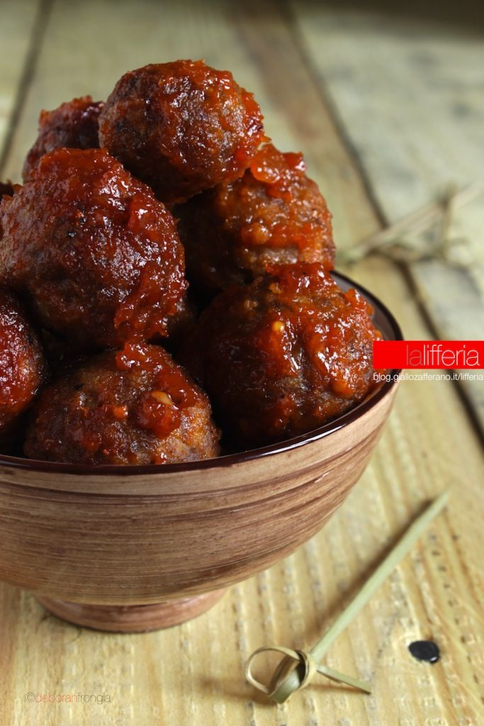 Meatballs baked in beer BBQ sauce - Polpette al forno in salsa BBQ