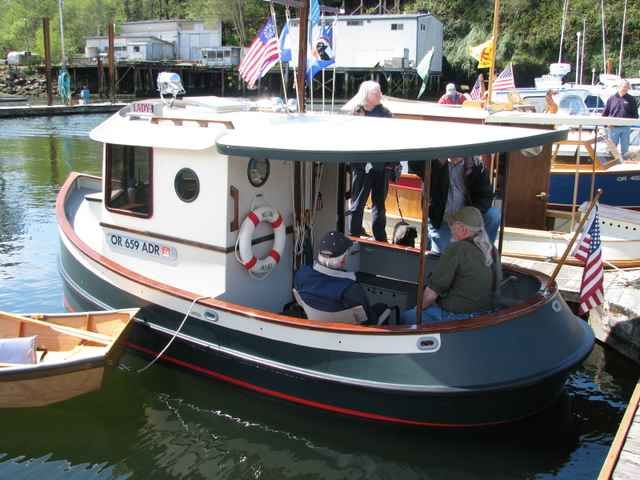 17 Best images about Micro Mini Tugboats ~ on Pinterest | Boat plans, Boats and Minis