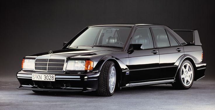 27 lat temu Mercedes-Benz 190 E 2.5-16 Evolution II wprawił w ekscytację zarówno profesjonalistów z branży motoryzacyjnej, jak i zwykłych kierowców.