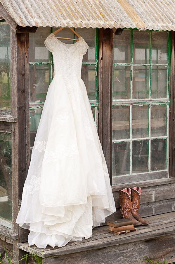 Western Themed Wedding- Cowboy boots and wedding dress- C2C Travels LOVES!! Relax, take a break from planning the honeymoon travel, and just let C2C Travels coordinate your travels for you! We save you the time, hassles, and frustration of planning! 2744.mtravel.com/