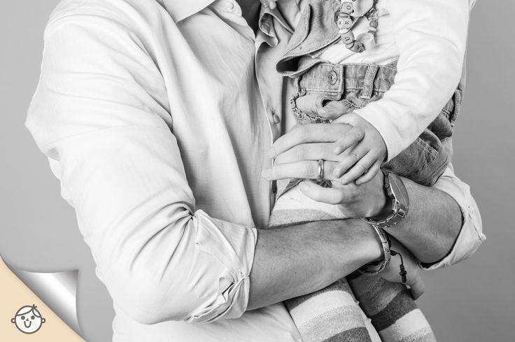 Sappiamo che siete molto curiosi, quindi eccovi un'anteprima dal set fotografico della scorsa settimana. La dedichiamo a tutti i papà troppo timidi per posare, e siete stati molti!  Christian e la sua piccola Aurora invece, hanno colto l'occasione, e Federica Menon Photographer è riuscita a racchiudere in un unico scatto tantissima dolcezza!  Presto tutte le info. Vieni a trovarci su www.casadelbambino.com