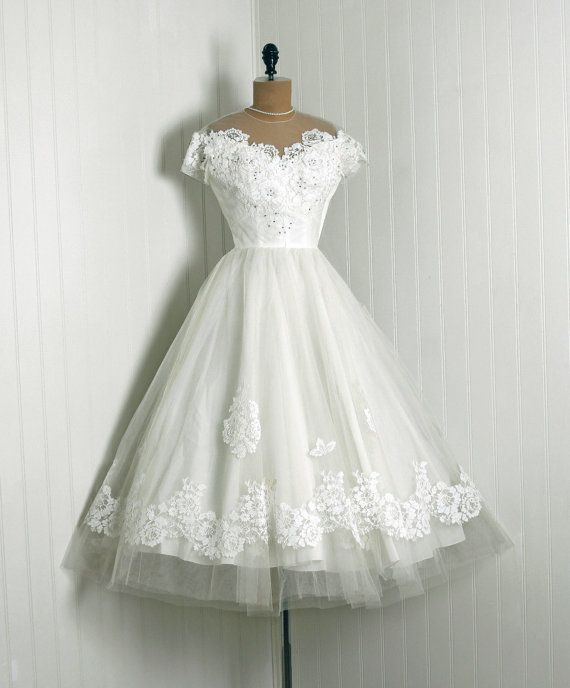 1950's Priscilla of Boston White Chantilly Lace & Tulle Tea Length Wedding Dress