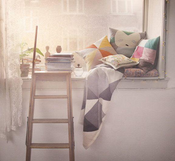 petit coin lecture/repos près de la fenetre