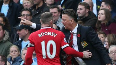 Roy: Play Rooney up front