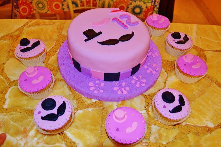 Torta Moustache