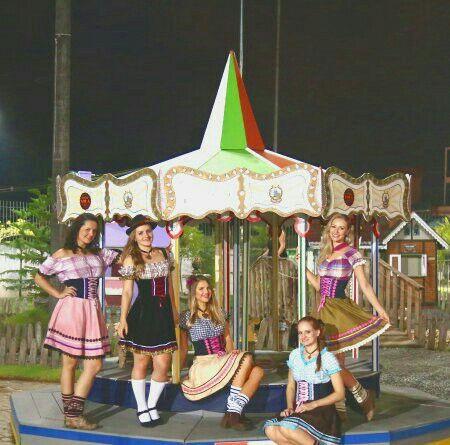 Traje típico - Oktoberfest - Traje típico - Blumenau - Frida - Vestido de Frida - Fritz - Oktoberfest Blumenau