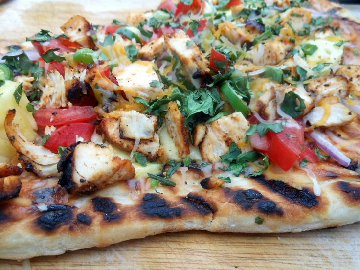 Craving Grilled BBQ Chicken Pizza #bbqchickenpizza #thecrave #craving