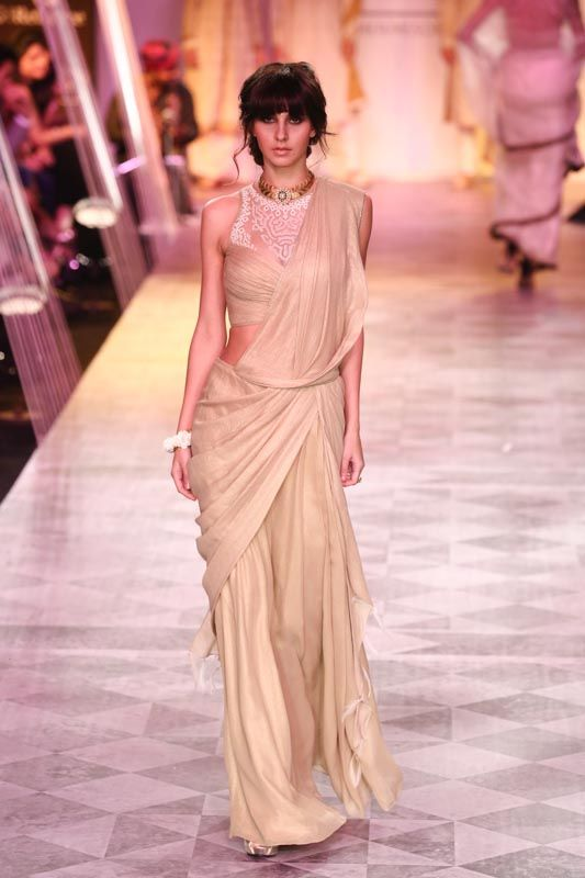 Gold and Glamorous - Tarun Tahiliani