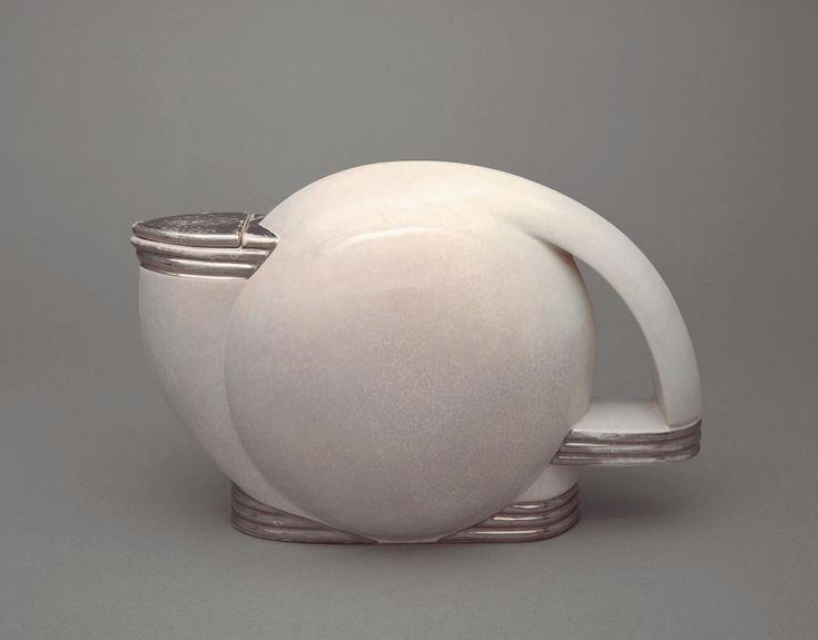 Teapot / Paul Schreckengost / 1938 / Ohio