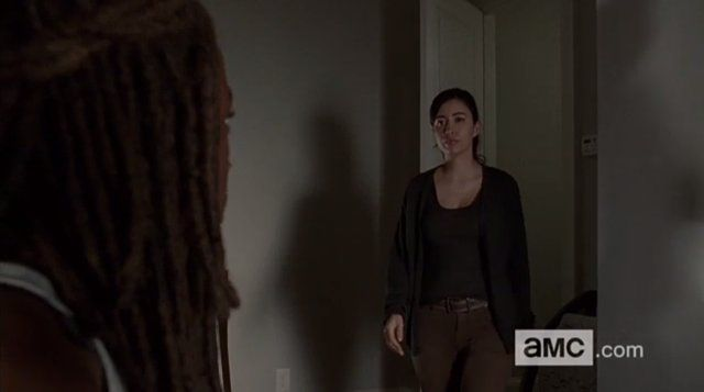 Does the Promo for The Walking Dead Episode 15 Show a Community Under Threat? | moviepilot.com