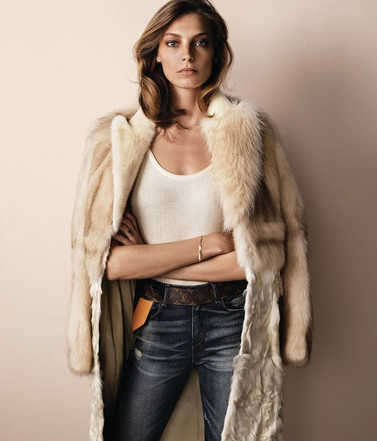 The logo belt is back, hot or not? Let's chat! Visit The Wall at www.elin-kling.com