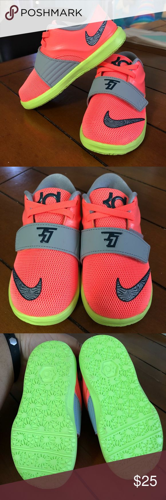 NWOT Kevin Durant Nikes for Toddler, Size 8C New, never used!  Great for boys or girls!! Low-top sneakers with velcro strap. US size 8C Nike Shoes Sneakers