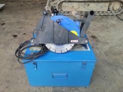 Scanalatore RURMEC RSD 250 COMBI - Diamond cutting glover RURMEC RSD 250 COMBI Anno/Year: 2006 Tensione/Voltage: 230V - 50 Hz Assorbimento/Absorption: 8,5 A Potenza/Power: 1.800 W Giri a vuoto/Rotation speed: 4.500 g/min Giri sotto caricoRotation speed under load: 3.500 g/min Diametro disco: da 150 a 250 mm Profondità traccia/Trial depth: 60/85 mm. Larghezza traccia/Trial width: da 8 a 50 mm. Peso/Weigth:                   6,3 kg. Valigetta/Bag Dimensioni/Dimensions: 500x400x300