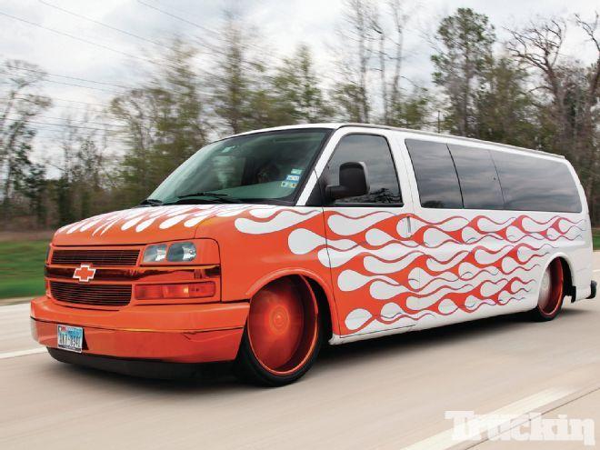 2006 Chevy Express 3500 - En Fuego Express