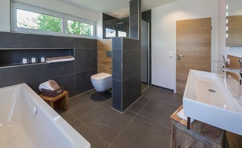Musterhaus falkenberg 168: badezimmer von licht-design skapetze gmbh & co. kg