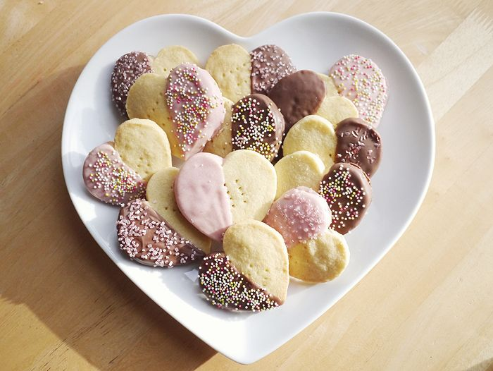 Recipe: Valentine's Chocolate Dipped Shortbread Hearts ...