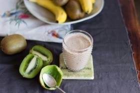 INGREDIENTS 1 banana 1 kiwi fruit 1 teaspoon cocao powder 200 ml milk of choice DIRECTIONS Place the banana, kiwi fruit, cocoa, and milk into the large personal blending jug; securely seal the blade assembly inside the blending jug. Lock the blending jug onto the motor base by aligning the arrows and press the 'PULSE' button for 15 seconds or until...