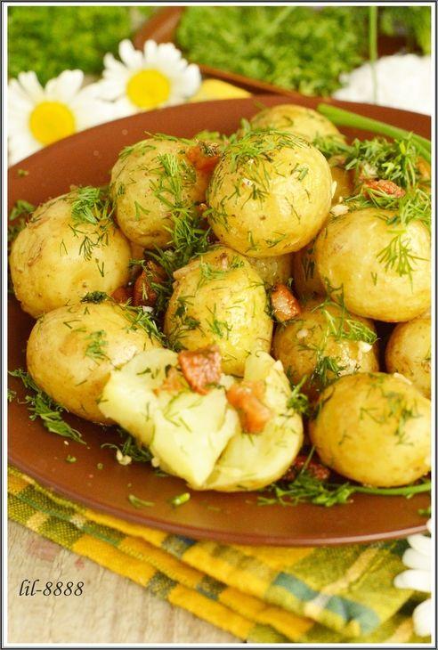 Молодой картофель с салом, чесноком и укропом. рецепт с фотографиями