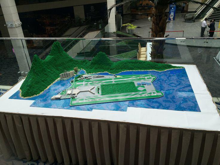 https://flic.kr/p/LN42yj | Hong Kong International Airport. | Lego creation showing in Regal Airport Hotel (Hong Kong).