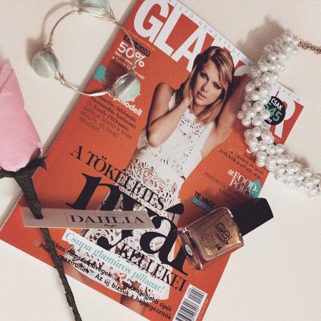 Mai nap kezdete Glamourral! #glamour #fashion #Fashionista #FashionDaily #zenzero #peaches #dahlia #avon
