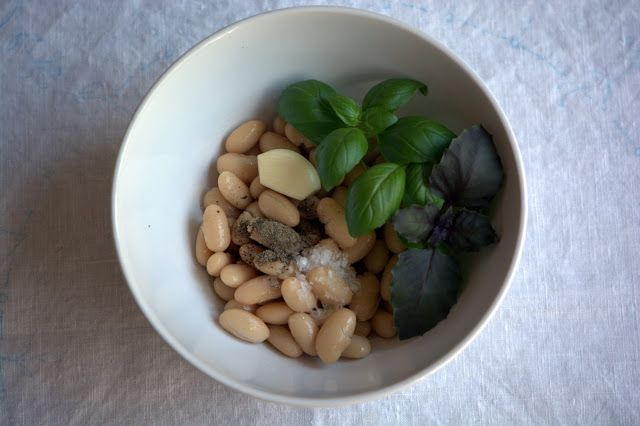 One can of white beans to make three delicious, healthy dips #yegfood #healthy #easy #foodpics